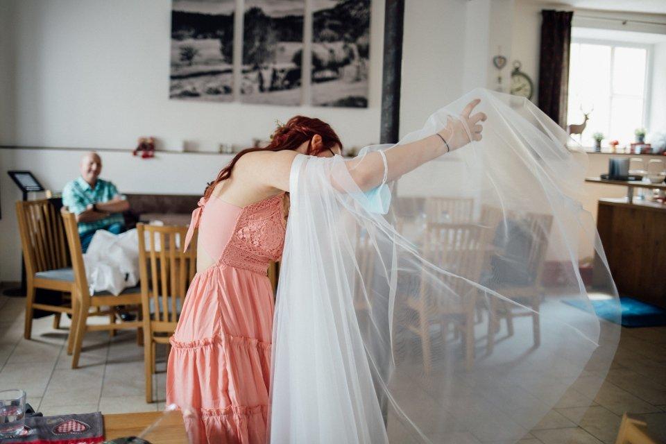 Standesamt-Zwiefalten-Hochzeitsreportage-Hochzeitsfotos-21