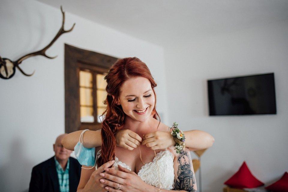 Standesamt-Zwiefalten-Hochzeitsreportage-Hochzeitsfotos-23