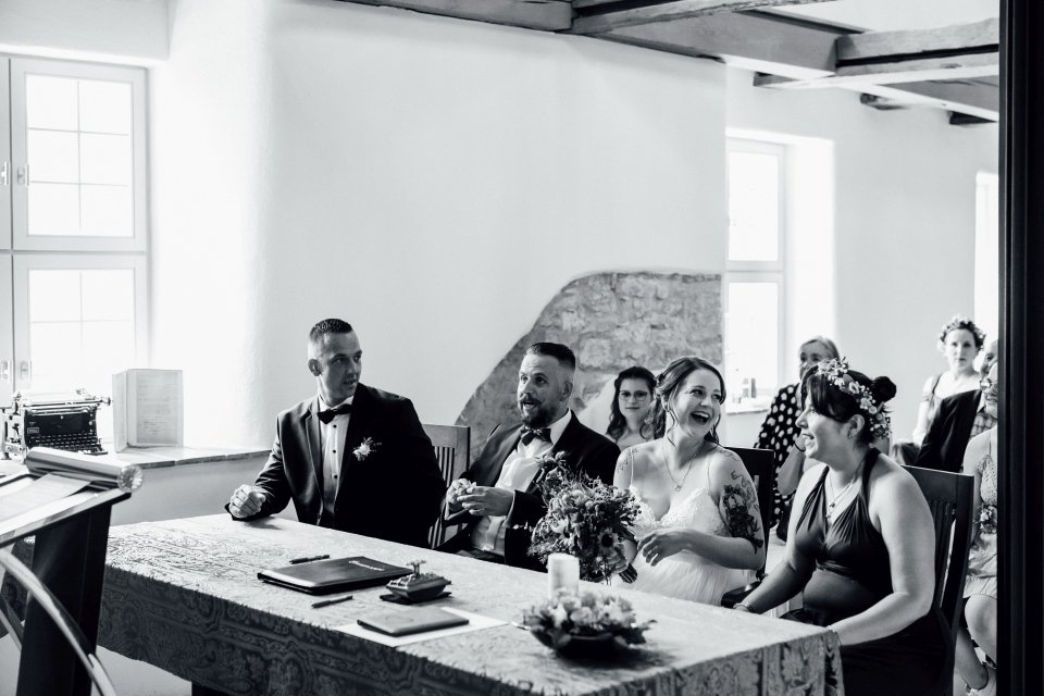 Standesamt-Zwiefalten-Hochzeitsreportage-Hochzeitsfotos-25