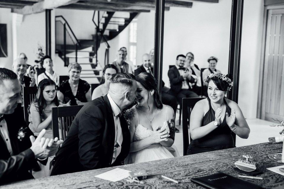 Standesamt-Zwiefalten-Hochzeitsreportage-Hochzeitsfotos-30