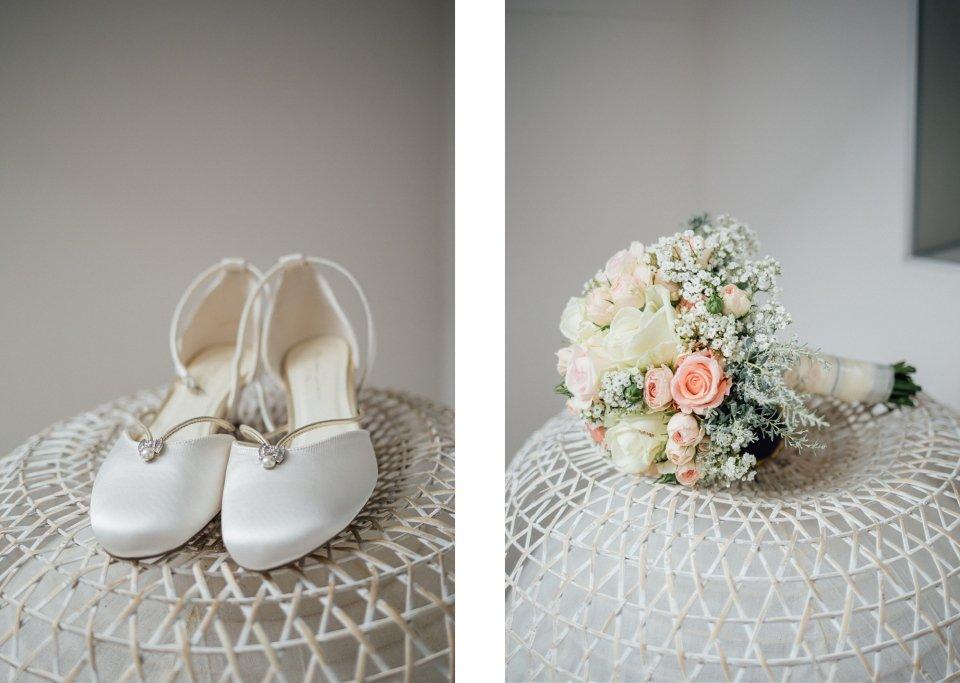 Sommerhochzeit-Hochzeitsreportage-001-Brautschuhe-Brautstrauss