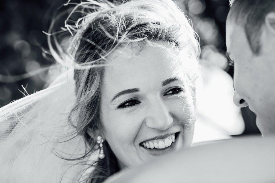Sommerhochzeit-Hochzeitsreportage-054-Paarfotos